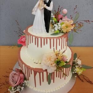 Hochzeitstorte mit Schokoladen Drip