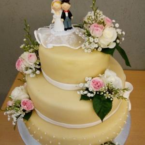 Hochzeitstorte mit Marzipan